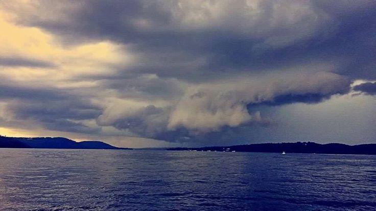 Thunderstorm earlier today over Lake Guntersville... photo from Kayla Fox