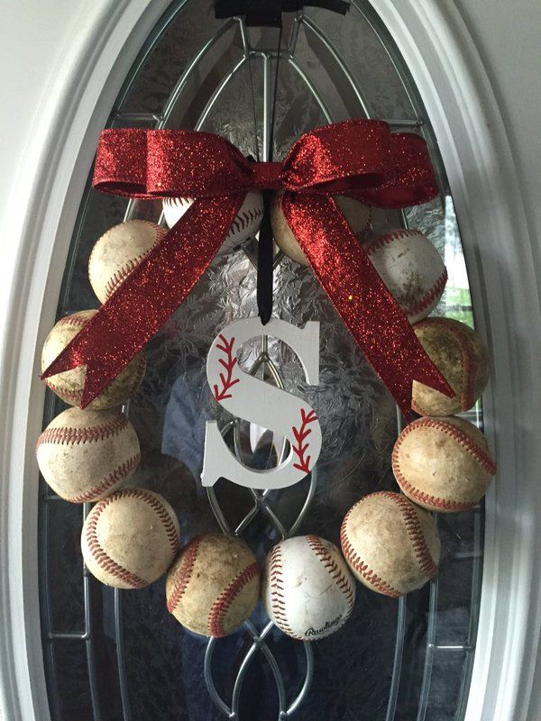 Made my own baseball wreath!