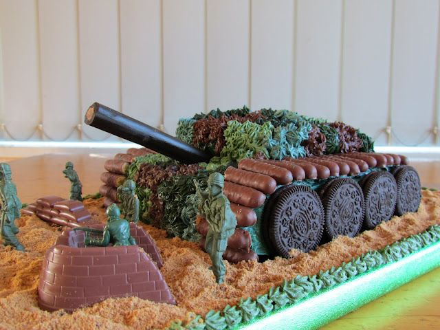 Army Party - Tank Birthday Cake - http://pennysparties.blogspot.co.nz/2011/09/army-party.html