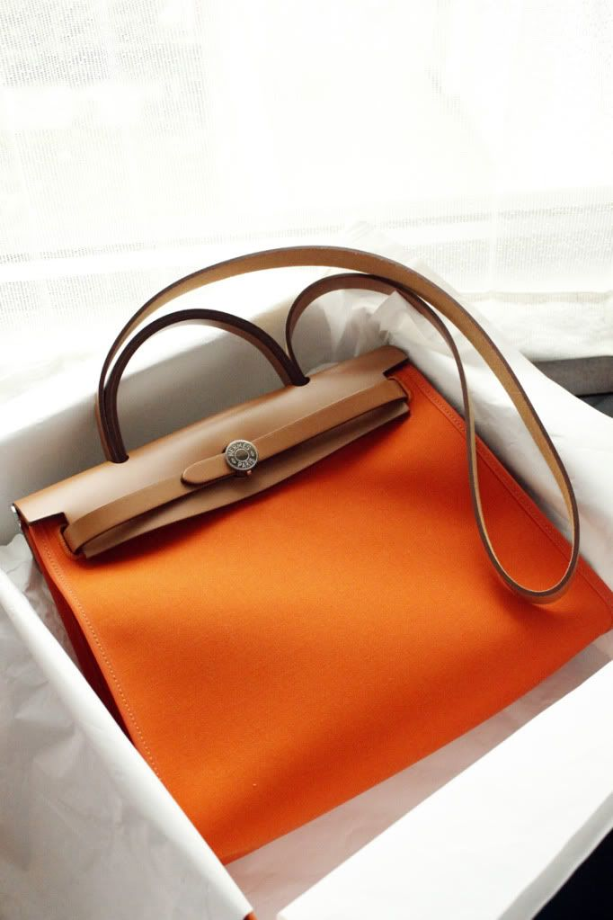 Love this prada handbag, perfect with any outfit