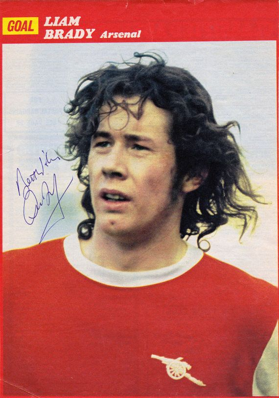 LIAM BRADY signed Arsenal FC football magazine by UniquelySporting