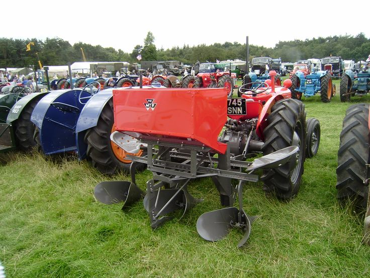 The precipitous drop in farm machinery sales seen in recent years will likely begin leveling off in 2017 but the industry's outlook remains glum.
