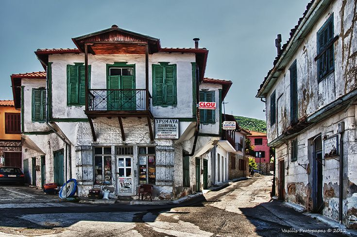 "Arnea is a town of 2,500 pple in Northern Halkidiki, built at de foot of Mount Holomontas. Arnea is privileged becos its important traditional background. For this reason it has been proclaimed as an ""Historical Site"" n ""Traditional Settlement"" by de Cultural Ministry. Arnea, Halkidiki, Macedonia_ Greece"