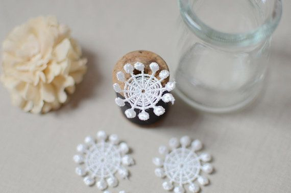 5 pcs Off White Round Embroidery Venise Lace by LaceDecoration