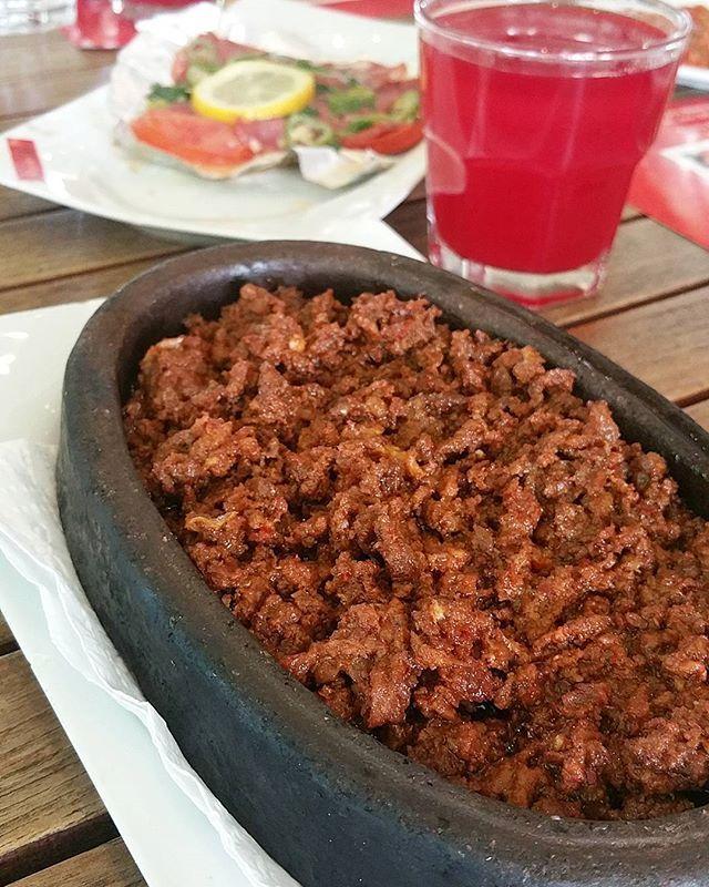 SUCUK İÇİ  @radissonblukayseri'nin davetlisi olarak gittigimiz Kayseri' de ben ilk defa sucuk içini tattım Kayseri'ye özgü Sucuk İçi özellikle Ramazan ayında tuketiliyormus  @radissonblukayseri #radissonblukayserihotel #kayseri #gesibaglari  #holiday #tourism #tourist #travel #visiting #breakfast #cold #delicious #delish #dessert #dinner #eat #eaters #eating #food #foodpic #foodporn #foods #amazinghot #hungry #instafood #instafood #lunch #photooftheday #sweet #yum #yummy