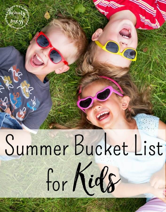 Don't let this Summer pass you by. Again. Memories aren't always about going places or spending lots of money. Try these simple activities to make memories with your family this Summer. Use the free printable to help you make your lists! via @wdcornelison