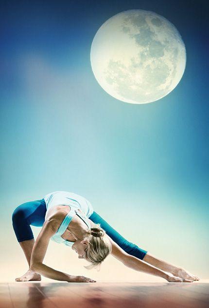 NAP és HOLD jóga-gyakorló