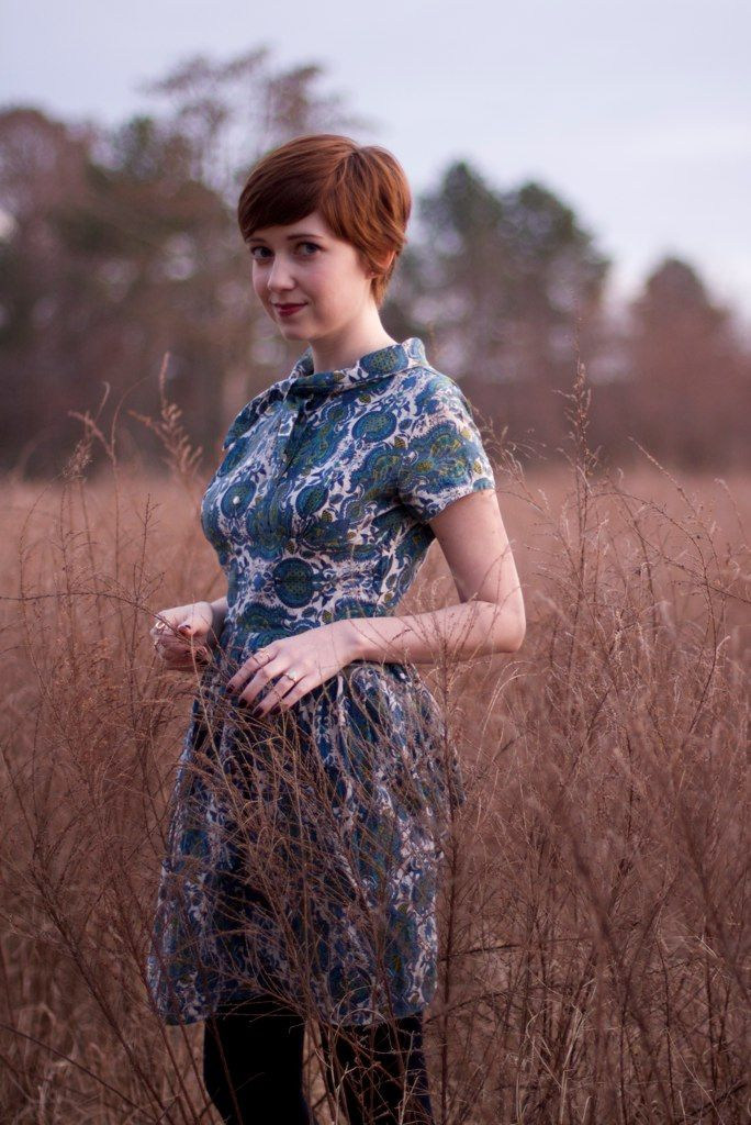 TheClothesHorse: Love her style! This vintage dress is SO cute. :))