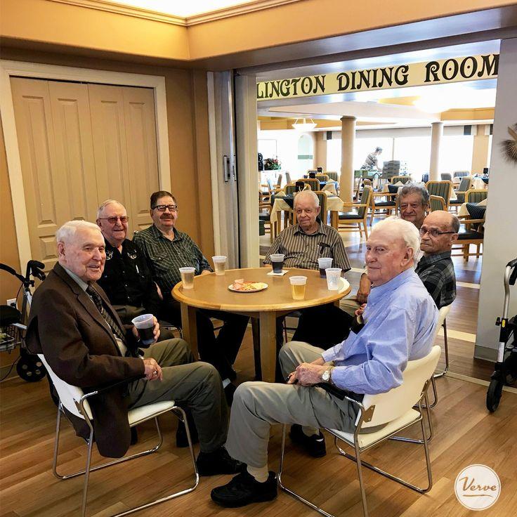 Dr. Hemstock residents enjoyed a drink at happy hour! #verveseniorliving 🍻