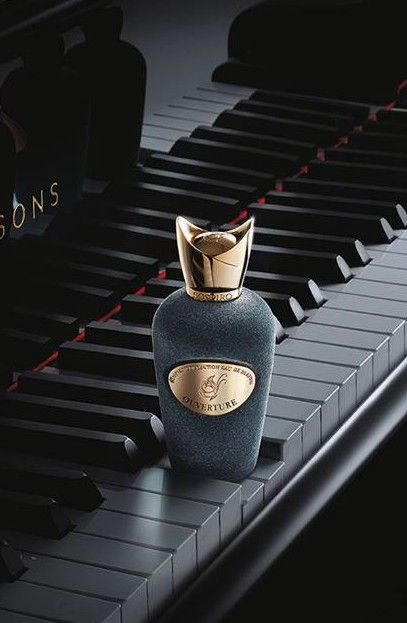 #SOSPIRO Ouverture. This sophisticated blend starts with an elegant combination of white flowers, Mediterrean citrus & fresh Fig leaves. This is followed by floral notes of Indian Jasmine with a touch of spices. The base rounds out with the complexity of Sandalwood, Cashmere notes and Incense.