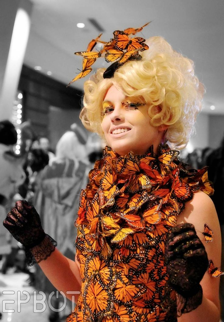 Insaneulous (Insane/Ridiculous) Effie Trinket Cosplay