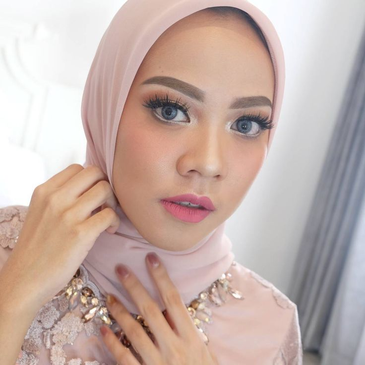 Hijab Engagement / Muslim Brides / Engagement Makeup by diniindriya on Instagram ☁ @terosha ☁