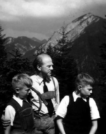 """1948: Ascent to """"Herzogstand""""-mountain. From left Martin, Werner, Wolfgang Original with Maria Hirsch"""