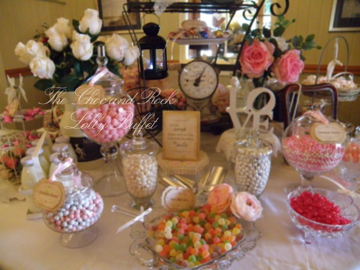 The front of the lolly buffet - it was just magical and stunning!  www.facebook.com/thechocandrocklollybuffet www.thechocandrock.com
