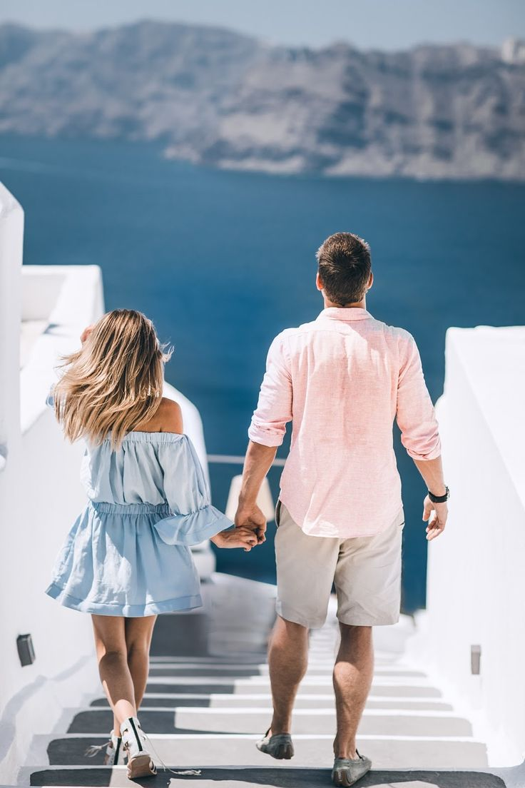 While we were in Santorini planning the wedding we also met with an amazing photographer to shoot our engagement pictures. Sharing a...