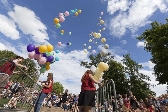 Mômes en scène à Niderbronn les Bains : festival arts vivants pour le jeune public, enfants