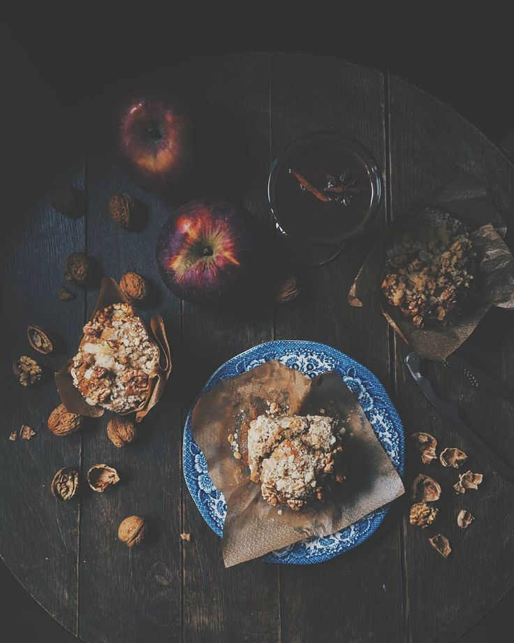 apple, cinnamon&chia muffins with walnuts and oat crumble. #apple #cinnamon #chia #muffins #oat #crumble