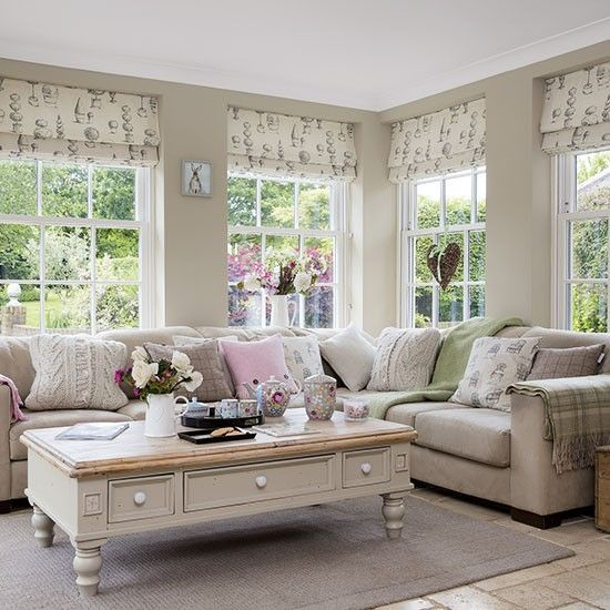 Neutral family room with topiary blinds