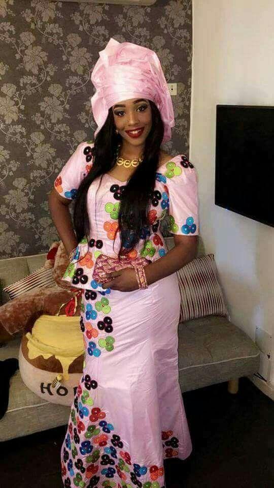 Malian Fashion bazin #Malifashion #Malianfashion #bazin #Africanfashion #Westafricanfashion #Mali #Bamako #malianwomenarebeautiful #dimancheabamako #mussoro #malianwedding #bazinriche #malianbride #lesmaliennesontbelles #lesafricainessontbelles #brodé #brocade #teinture #gala #waxoutfits #ankara #dalifini #vlisco #getzner