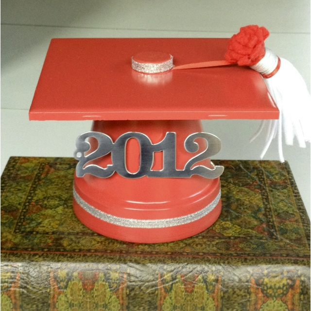 Graduation cupcake stand topper - tile, terracotta pot, and water bottle lid. Spray paint and decorate!