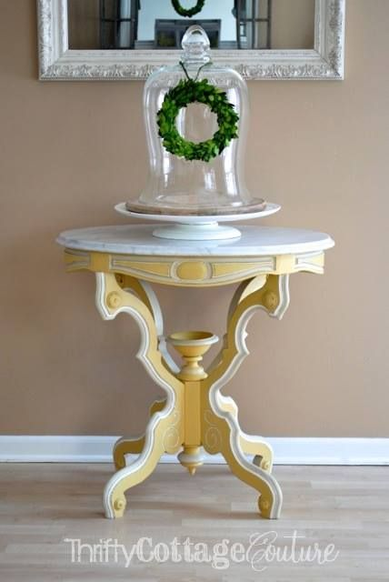 Just in time for spring! Arles & English Yellow Chalk Paint® decorative paint by Annie Sloan blended together for the perfect color of sunshine | By Thrifty Cottage Couture www.thriftycottagecouture.com
