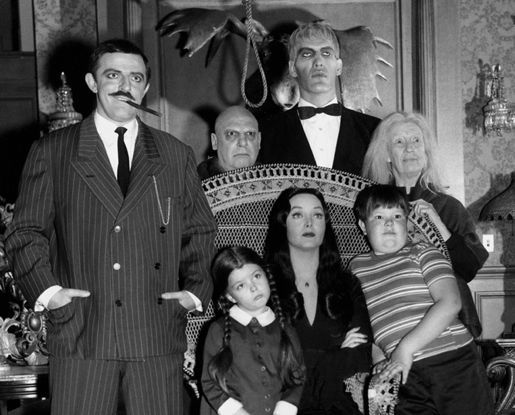 ADDAMS FAMILY TV SHOW JOHN ASTIN, CAROLYN JONES & cast B&W 8X10 PHOTO #7414