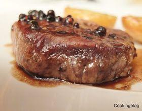 Cooking: Tornedós com molho de mel e três pimentas e batatas estampadas