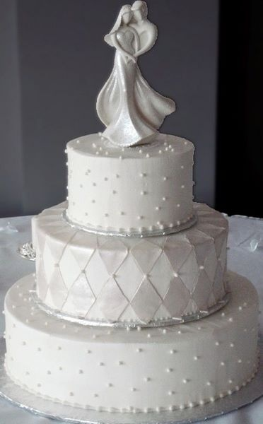 wedding cakes with diamonds and pearls 17 best images about sugar showcase our cakes on 26019