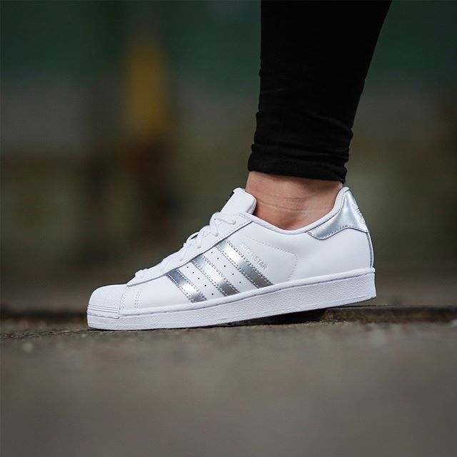 Superstar Adidas White And Silver