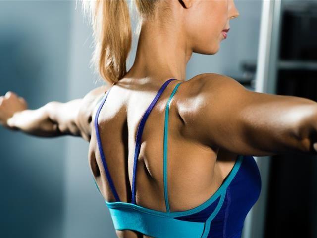 Οι μόνες ασκήσεις που θα χρειαστείτε για σφιχτά μπράτσα