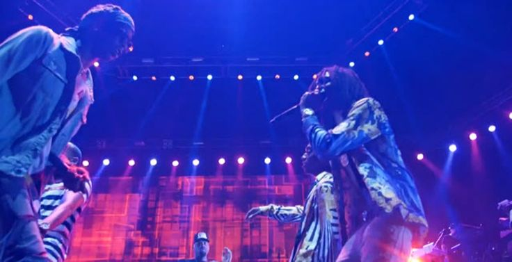 Chris Brown Brings Out Young Thug In Atlanta #TourLife Vlog [Video]- http://getmybuzzup.com/wp-content/uploads/2015/09/young-thug-650x333.jpg- http://getmybuzzup.com/chris-brown-brings-out-young/- By Jack Barnes Young Thug makes a surprise appearance at the Chris Brown concert during his tour stop in ATL. Enjoy this videostream below after the jump. Follow me:Getmybuzzup on Twitter|Getmybuzzup on Facebook|Getmybuzzup on Google+|Getmybuzzup on Tumblr|Getmyb