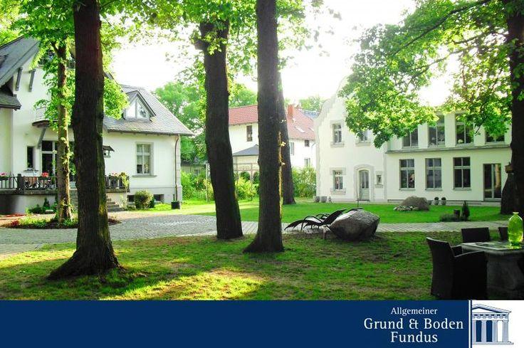 Ensemble in Biesenthal bei Bernau - Dieses exklusive Anwesen wurde im Jahre 1895 auf einem ca. 6.100m² großen Parkgrundstück erbaut. Ergänzt wird dieses stilvolle Ensemble durch ein separates und großzügiges Gästehaus.  www.grund-boden-fundus.de/de_objektdetails.php?ID=0D7AEBB78BD14F58B555E01C42159BC3