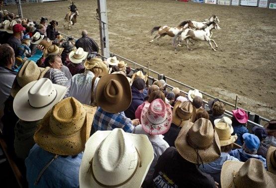St-Tite: chapeau de cowboy et bottes de cuir. Stéphanie Morin s'est rendue au non moins célèbre festival western.