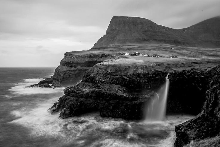 Hi everyone my name is Bobby and this week I will be sharing my shots of Faroe Islands with you guys. Hope you enjoy them! I travelled with my buddy Jeppe @kuld and stayed for around 8 days. This is the second time Jeppe and I visit Faroe Islands. First time was last year in the summer. Let's begin this shot is was taken at the first stop after the airport heading towards Torshavn. The famous waterfall: Gásadalur // Words & photo: @bobbyanwar Traveling mate: @kuld  #FaroeIslands…