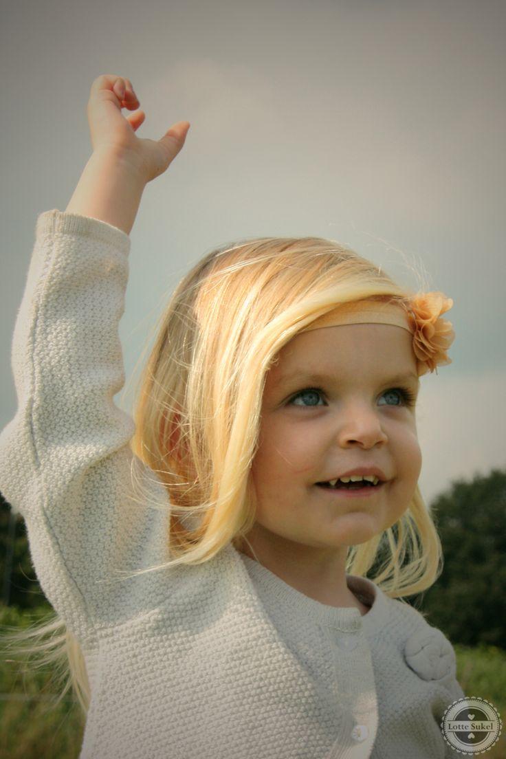 Www.facebook.com/lievhip #follow #hip #schattig #lief #baby #girl #meisje #cute #haarband #haarbandje #headband #flower #bloem #fotoshoot #photoshoot #shoot #foto #haaraccessoires #hairaccessoires #webshop #facebook #winkel #accessoires #sieraden
