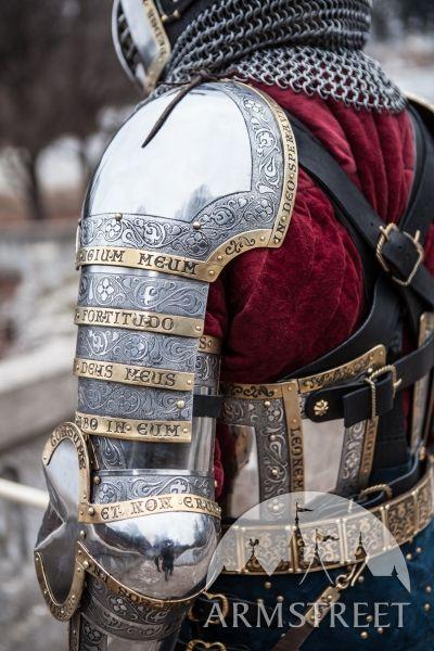 Spallières médiévales occidentales du chevalier «Garde du Roi»