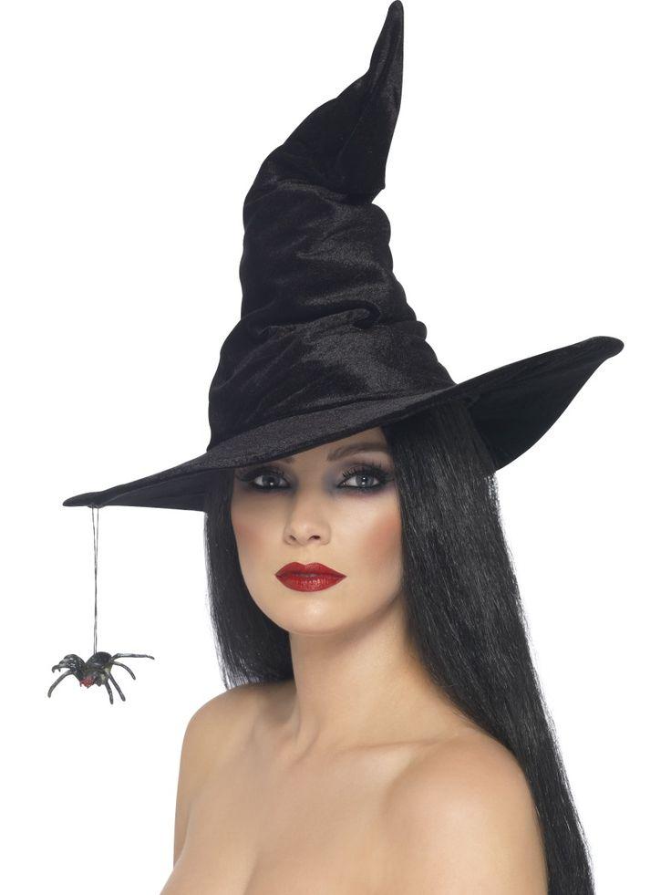 Noidan Hämähäkkihattu. Hattu josta roikkuu iso hämäkki.