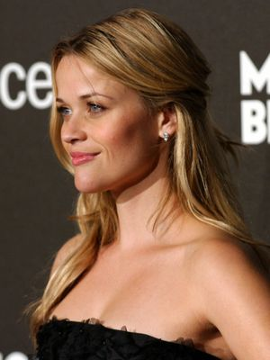 25 trending reese witherspoon hairstyles ideas on pinterest reese witherspoon hair best styles and cuts while sticking to lovely shades of blonde pmusecretfo Gallery