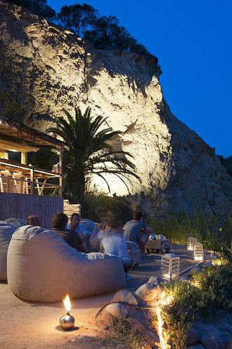 #zimmermanngoesto Ibiza restaurant Amante, Ibiza's secret beach hideaway, nice sea views and a luxury setting