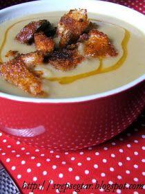 Ahogy az idő hidegebb, egyre többször vágyom egy finom, meleg levesre. Arra a fajtára, ami tartalmas, ízes, szívet-lelket melengető. Ez a ...
