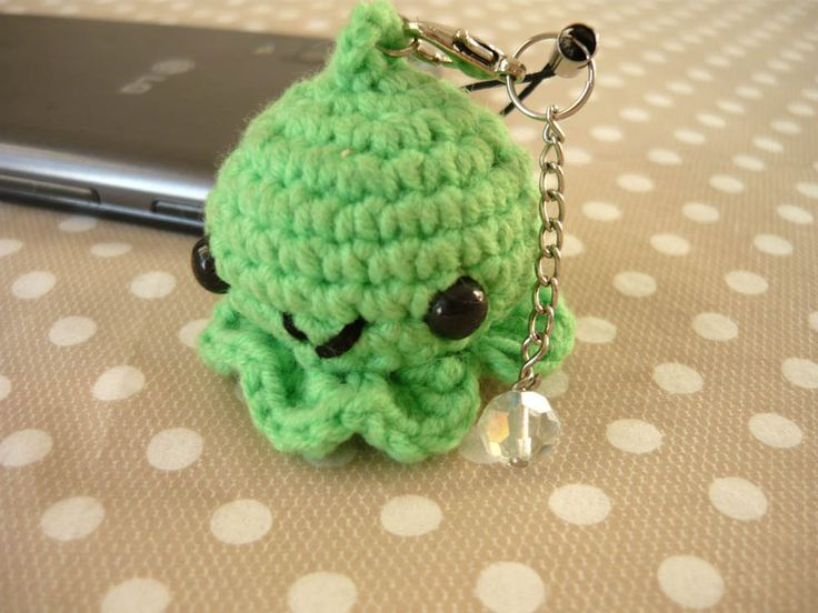 Amigurumi phone charm - octopus, gift for teens, cute keychain, kawaii charm, cute phone dangle, Cute Bag Charm, Dust Plug, Earphone Plug by MariAnnieArt on Etsy #amigurumi #kawaii #mariannieart #etsy #phonecharm #dustplug #crochet #geekgift #nerdgift