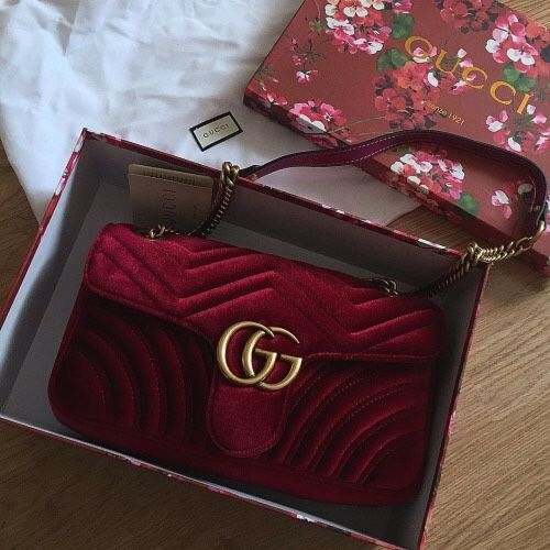 Beautiful Gucci Bag. I love this color.