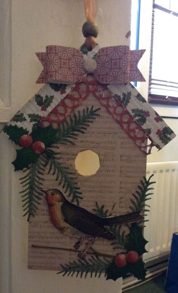 Craftwork Cards Christmas birdhouse plaque