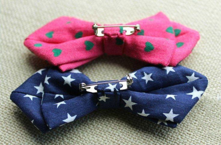 This is the only shade of blue you should ever allow on your little prince charming. The diamond-tipped boys bow tie made from soft fabric in a brilli...