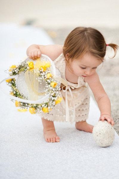 De flores de bricolaje damitas de honor y cesta de damita de honor