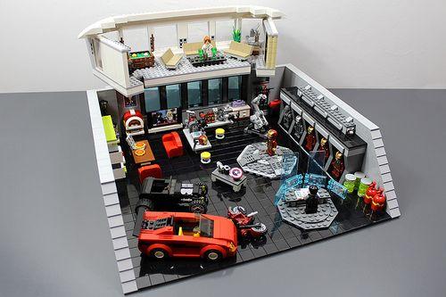 """LEGO: Iron Man """"Tony Stark's Lab."""""""