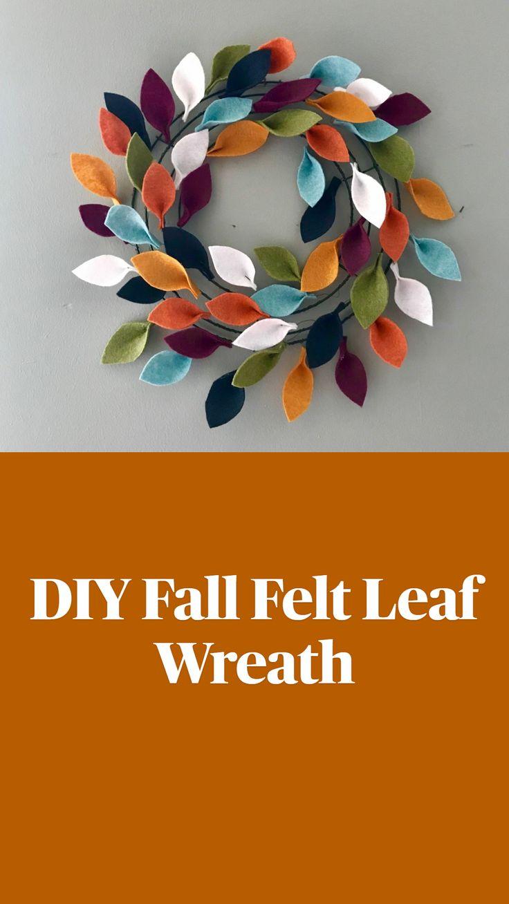 Felt Crafts Diy, Wreath Crafts, Felt Diy, Diy Wreath, Fall Crafts, Holiday Crafts, Diy Thanksgiving Decorations, Felt Flower Wreaths, Felt Wreath