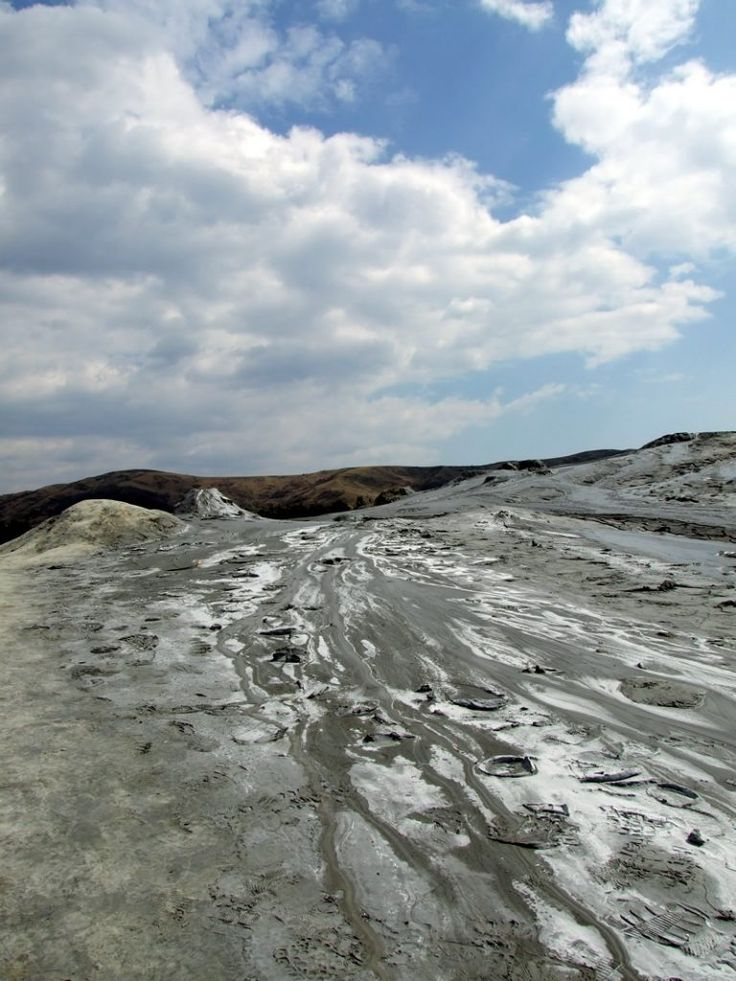 muddy volcanoes Romania