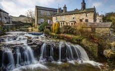 Hawes, north yorkshire, england, Йоркшир, Англия, река, каскад, здания обои