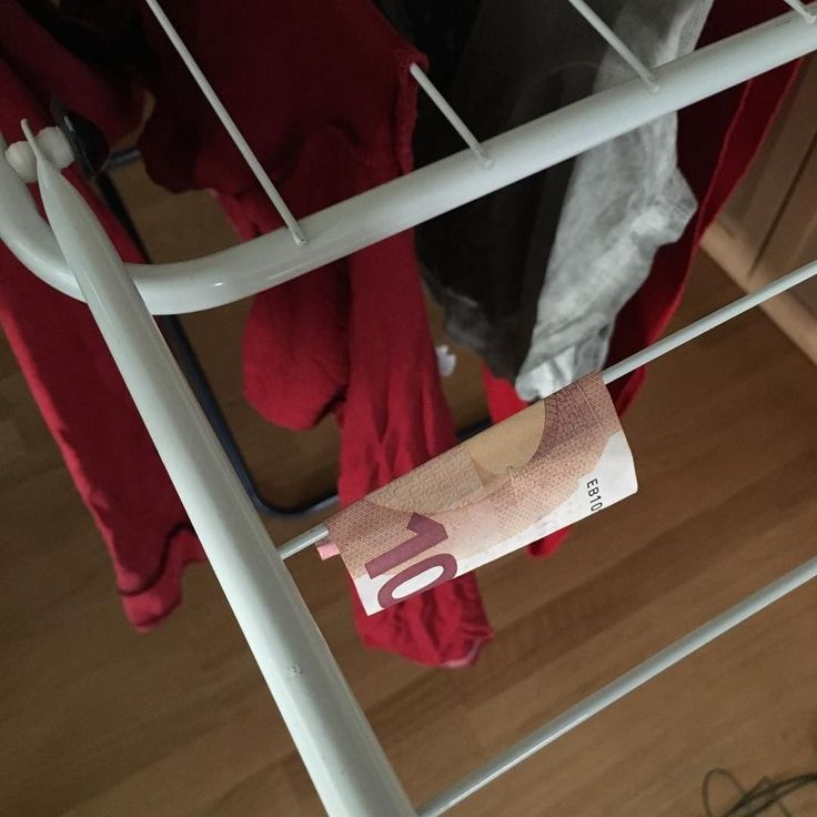 ProTipp: 10-Euro-Scheine nur mit roter Wäsche waschen. October 03 2016 at 06:13PM